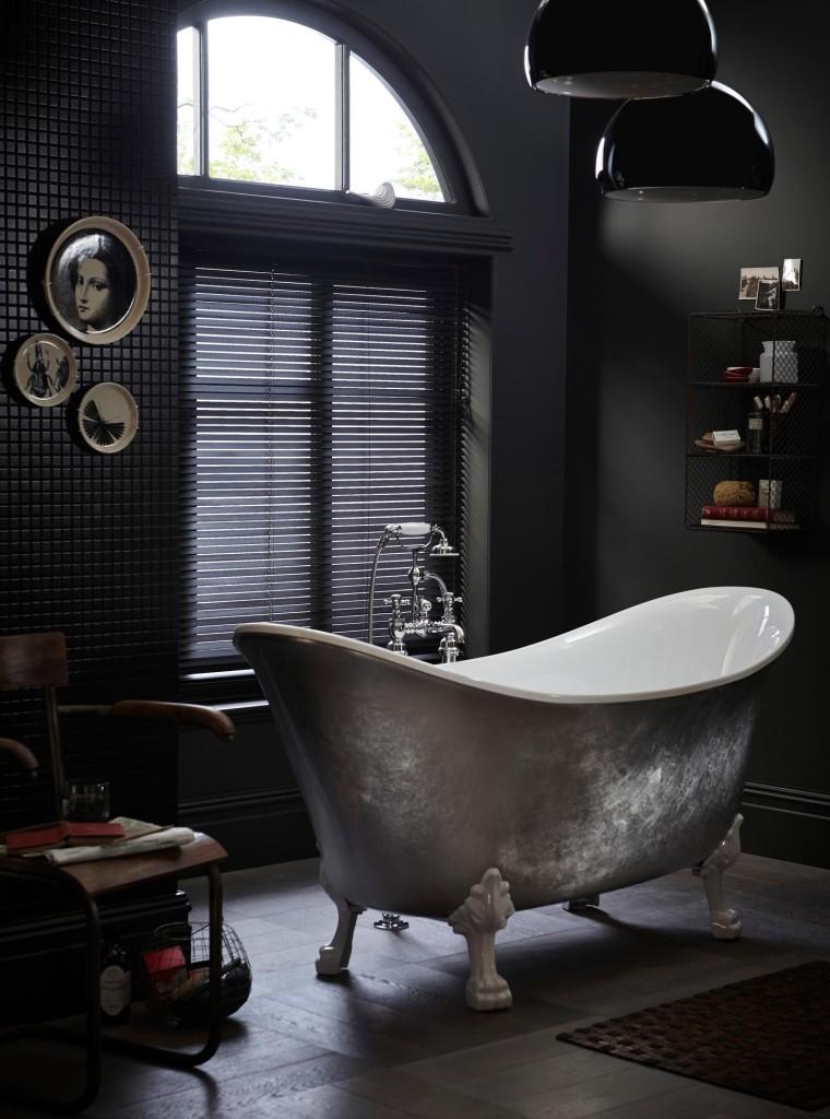 Free Standing Bath Tub!